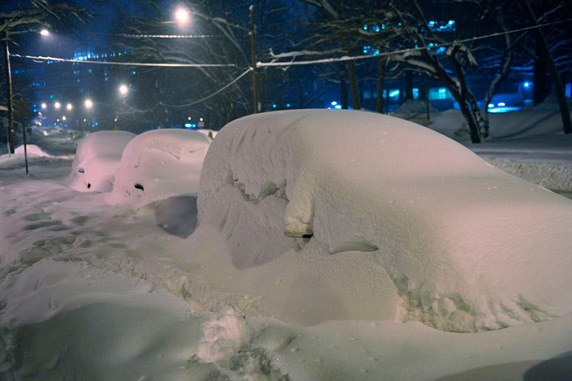 В Крылатском организовано 8 площадок для складирования снега