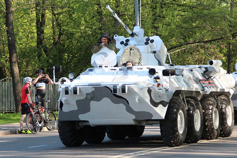 Военная техника, участвующая в Параде Победы, проедет по Крылатской и Осенней улицам