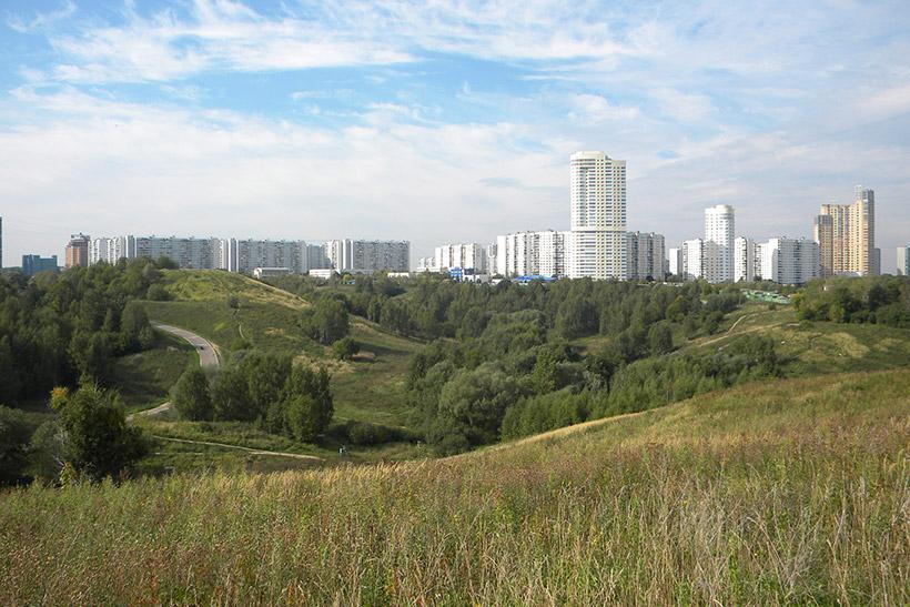 Вид на район Крылатское с Крылатских холмов