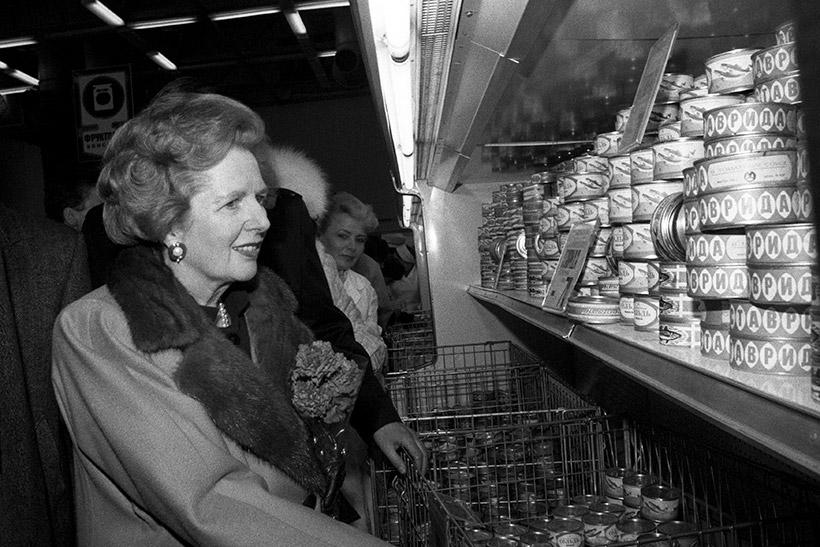 Маргарет Тэтчер в магазине «Диета» в 1987 году