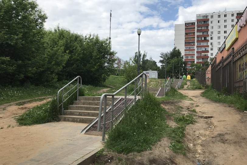 Лестница в район Строгино