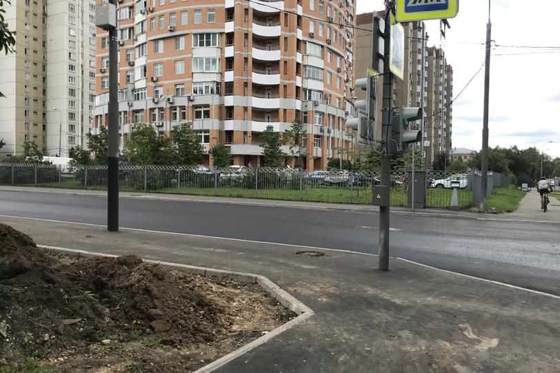 Пересечение с Оршанской улицей