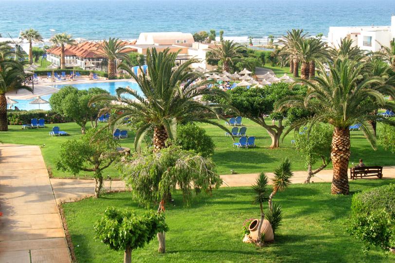 Территория отеля Anissa Beach