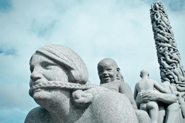 Десять самых уродливых памятников в мире